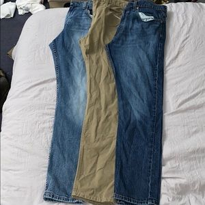 3 pairs of men's Levi's, great condition.